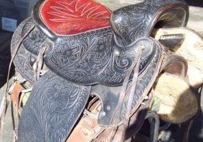 saddle red seat 005